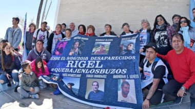 Familiares de las víctimas del buque pesquero Rigel se entrevistaron el año pasado con el Juez Federal de Rawson Gustavo Lleral