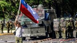 Con otra marcha multitudinaria y nuevos disturbios, las protestas