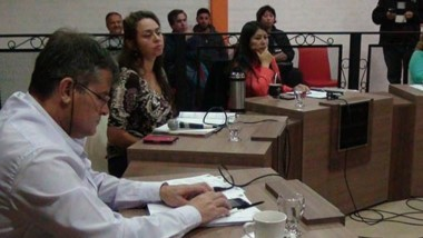 Ediles. Una postal de la sesión parlamentaria local donde se discutió el sensible tema, que generó impacto entre los vecinos de El Bolsón.