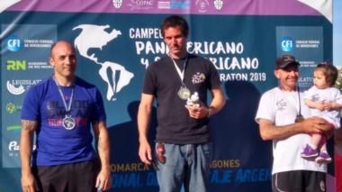 Javier Ramírez 2do en el podio de 5,20. Fue el que mejor se ubicó de los palistas gaimenses en el panamericano-sudamericano de viedma .
