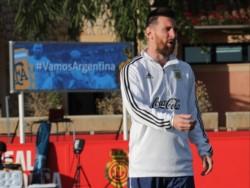 Messi acaparó la atención de los medios de comunicación, aunque esta vez no se repitió el caos en el acceso a las instalaciones del primer día de entrenamiento.