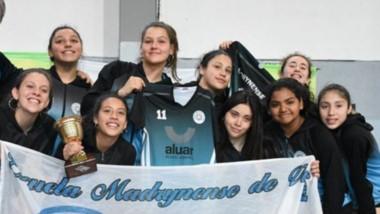 El equipo femenino, categoría Sub 15, se quedó con el segundo puesto en la Copa de Oro del Open Necochea.