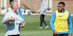 El reto de Alfaro a los jugadores durante el entrenamiento de Boca: