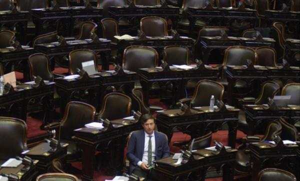 Del Cambiemos, solamente Lipovetzky contribuyó a la sesión especial de Diputados para pronunciarse sobre la situación de Bolivia.