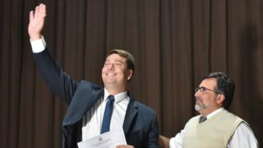 El intendente electo de Rawson durante la proclamación de las nuevas autoridades.