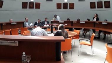 Poca gente. Durante la tarde de ayer, los diputados aprobaron todos los proyectos que se habían presentado en las distintas comisiones.