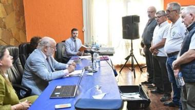 Testigos. Primero desde la derecha, Leske, y a su lado García Vázquez, dos de los exjefes policiales que explicaron la interna desatada en los 70.
