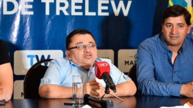 """Se realizó ayer la presentación de """"Fútbol Para Todos"""" en el salón histórico de la Municipalidad de Trelew."""