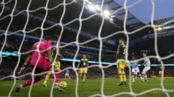 El equipo de Klopp perdía 1-0 con Aston Villa a 3 minutos del final, pero lo dio vuelta con goles de Robertson y Mané.