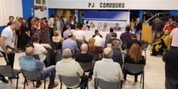 Espacios vacíos. El Plenario del PJ en Comodoro Rivadavia se caracterizó por una muy baja concurrencia.