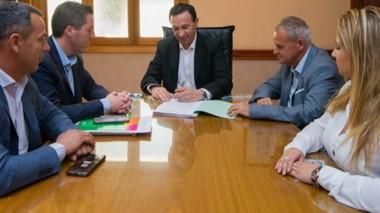 El acuerdo busca dotar a la ciudad de mano obra calificada en diferentes rubros.