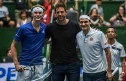 En el Parque Roca, Zverev venció 7-6 y 7-6 a Federeren la exhibición de la cual no pudo participar Del Potro, por su lesión en la rodilla.