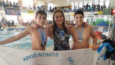 Integrantes del seleccionado que representaron al club en los Juegos Evita de Mar del Plata este año.