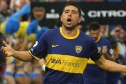 En 2010, Angelici renunció a la tesorería de Boca en rechazo al nuevo contrato que Riquelme firmó con el presidente Ameal.