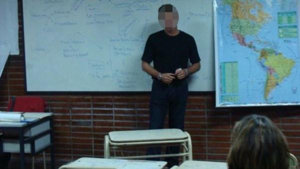 Un colegio privado de Caleta Olivia echó a un profesor después de comprobar que tenía conversaciones de tipo sexual con alumnos. (Imagen ilustrativa)