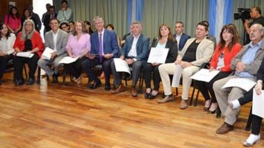 Certificados. El jefe comunal y los ediles electos cumplieron el último trámite antes de su asunción.