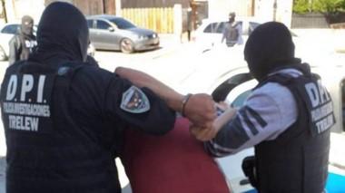 La aprehensión del individuo se rpodujo en la mañana de ayer en el barrio Oeste. Actuó la Brigada de Trelew.