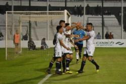 El único gol del partido lo convirtió Fernando Nuñez a los 51 minutos.