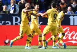 Con goles de Suárez y Vidal a balón parado, el equipo catalán dio vuelta el marcador.