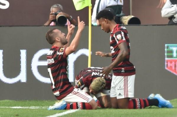 Flamengo se impuso a River, en un partido histórico. Un final vibrante, con dos goles en una ráfaga. Gabigol, el ídolo de Río de Janeiro.