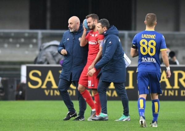 Pezzella sufrió una nueva fractura de mandíbula en Fiorentina.
