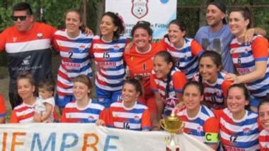 Las chicas de Club Enérgicas se quedaron con el título tras superar en la final a La Leyenda, por penales.