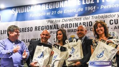 El actual intendente, Ricardo Sastre, la fórmula electa, Gustavo Sastre y Noelia Corvalán, junto a Espinoza.