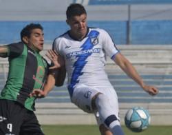 Cristian García, volante de Guillermo Brown, es una pieza fija en el mediocampo del equipo portuario.
