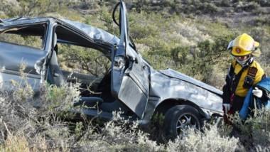El luctuoso accidente se produjo a las 7 de ayer, cuando un vehículo Volkswagen Gol se despistó y  volcó.