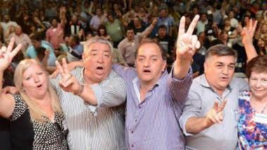 Desde la izquierda, Peralta, Hughes, Mutio, Linares, Núñez y Carrazza, ideólogos de las desafiliaciones.
