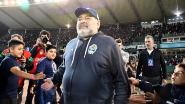 Maradona volvió a liquidar a Riquelme. Además, reveló la oferta que recibió de acri.