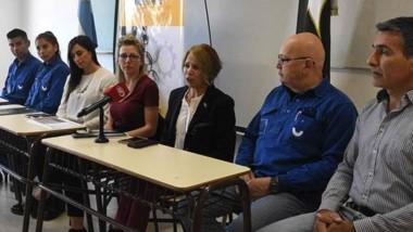 Autoridades de la UTN  y  Aluar convocaron a los interesados a inscribirse para en las becas.