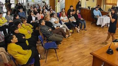 Capacitación. María Rodríguez, referente del INADI en Chubut, y una charla en el parlamento de Trelew.