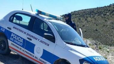 El móvil policial VW Gol fue encontrado abandonado y con daños en la ruta 26. El ladrón está detenido.