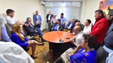 Reunión clave en Buenos Aires. Gioja dio un mensaje para lograr la unidad dentro del Partido en Chubut tras la intención de la cúpula provincial de expulsar dirigentes.