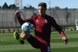 Gallardo dispuso un ensayo con tres conjuntos distintos para darle fútbol a todos, excepto Bruno Zuculini, el único jugador que continúa trabajando aparte por una lesión.