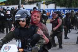 Incendiaron la alcaldía de Vinto, Cochabamba, en Bolivia y secuestraron a su alcaldesa, Patricia Arce Guzmán, del partido de Evo Morales.