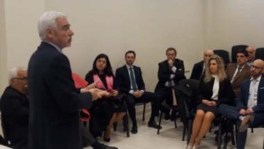Cumbre. El ministro Vivas detalló el panorama económico actual para el Poder Judicial en la provincia.