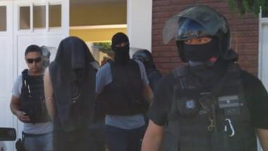 Los allanamientos y detenciones se produjeron en la zona norte de Madryn y en el barrio San Miguel.