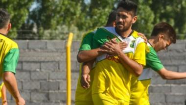 Damián Salinas fue el autor del primer gol del partido, a los siete minutos del primer tiempo de ayer.