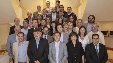 Equipo. En el Lucania posaron los nuevos miembros del gabinete de Luque junto con otros que continúan.