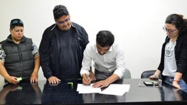 La empresa y la cooperativa firmaron un acuerdo  para trabajar conjuntamente.