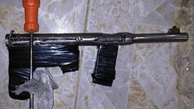 """Una de las armas de fuego secuestradas ayer. La misma es de fabricación casera, conocida como """"tumbera"""""""
