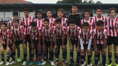 Los jóvenes de Racing que disputaron la final de la fase nacional de la Liga Desarrollo Sub 13 de Conmebol.