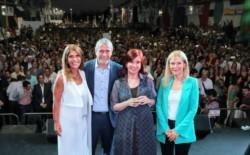 Ferraresi asumió un nuevo mandato en Avellaneda, junto a Cristina y una multitud de vecinos.