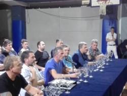 Al finalziar el proceso electoral en Gimnasia, Pellegrino acaba de asumir como presidente reelecto ante la Asamblea de socios del club.