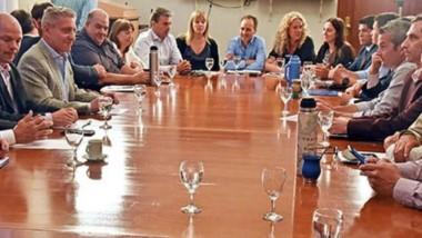 Mariano Arcioni encabezó la primera reunión de gabinete con el equipo para los próximos cuatro años.