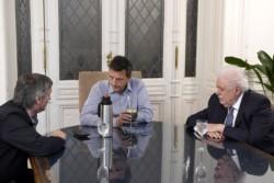 El presidente de la Cámara baja Sergio Massa, junto a Máximo Kirchner y el ministro de Salud GGG.