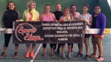 Las mujeres también tuvieron actividad en Pádel Germinal el domingo, con un torneo americano en parejas, donde triunfaron Amador y Acosta.