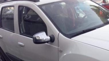 La camioneta Renault Duster fue objeto de un robo con un inhibidor.
